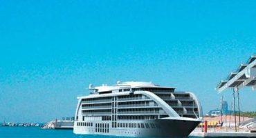 Hotel flutuante em Barcelona abrirá portas na primavera.