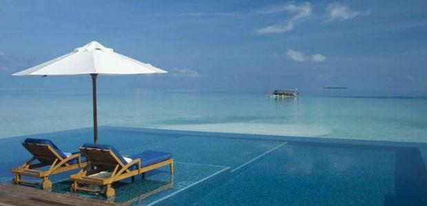 As 10 piscinas infinitas mais incr veis blog de viagens for Modelos de piscinas infinitas
