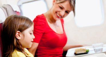 Conselhos úteis para viajar em avião com crianças