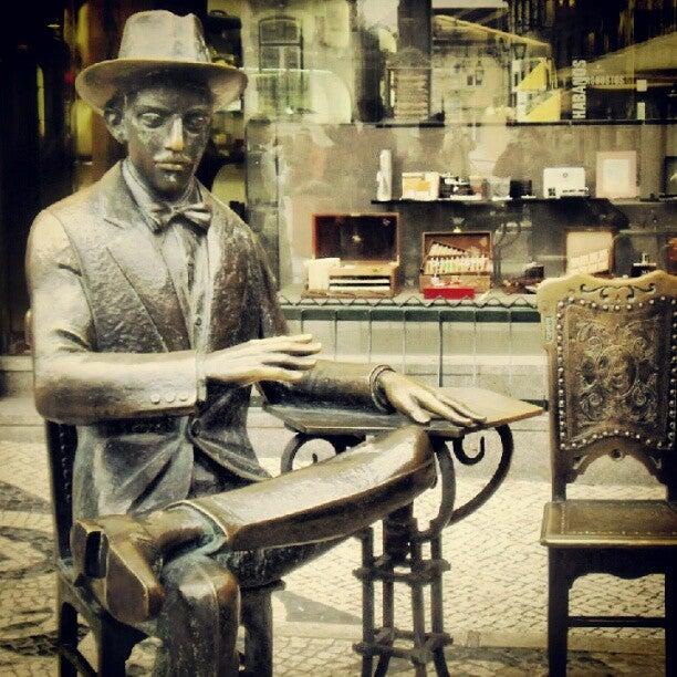 Café A Brasileira visitare lisbona edreams blog di viaggi