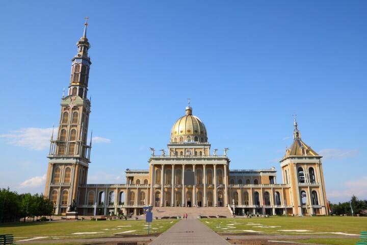 Basílica de Nossa Senhora de Lichen em Polónia
