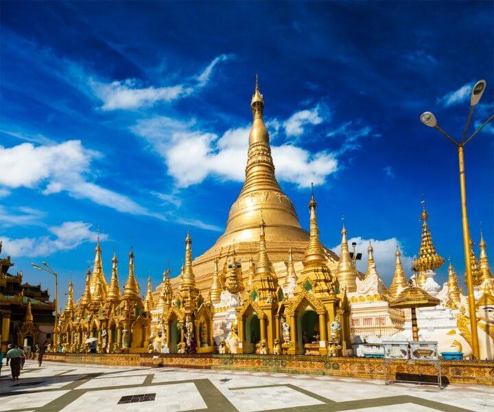 Pagode Shwedagon em Yangon - Birmânia