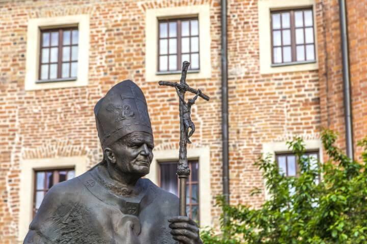 Karol Wojtyla estátua na carcóvia