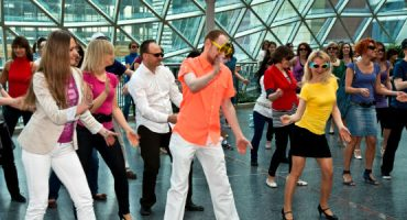 """Os melhores """"flash mobs"""" feitos em aeroportos"""