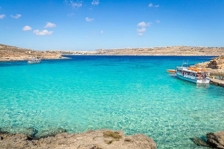 Praia Blue Lagoon em Comino, Malta