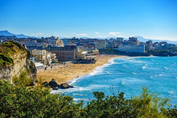 Praia de Biarritz em França