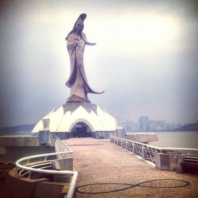 Estatua Kun Lam