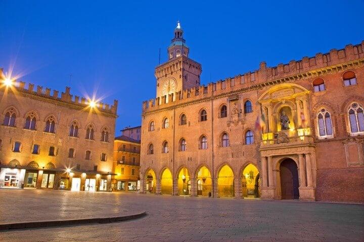 Piazza Maggiore em bolonha itália