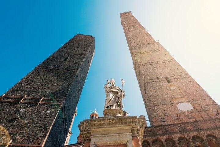 Torre degli Asinelli em bolonha itália