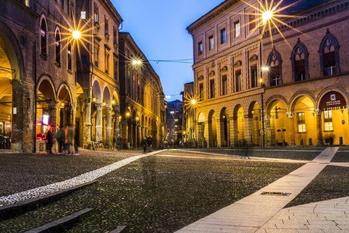 praça de Santo Stefano em bolonha itália