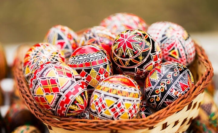 ovos pintados romenia