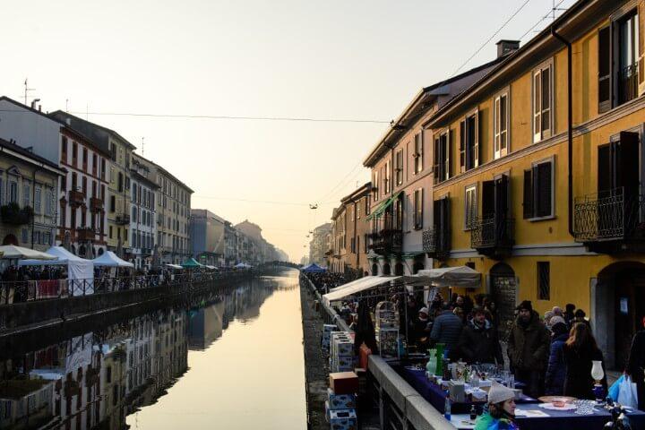 Fiera di Senigallia - mercado de rua em milão - itália