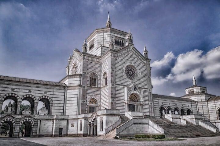 cemitério monumental em milão - itália