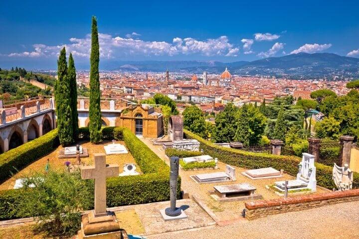cemiterio de florença vista para a cidade - itália